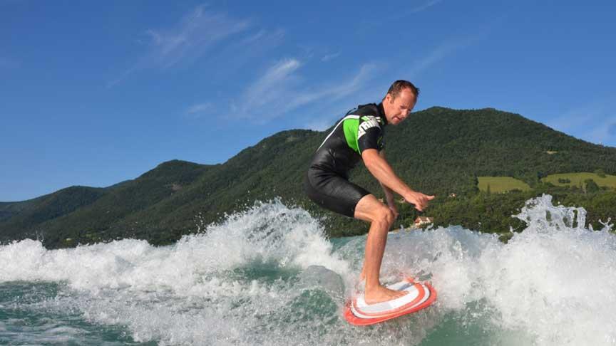 Wakesurf au lac de Monteynard - Grenoble - Wakeiteasy