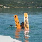 Pratique du ski nautique sur le lac de Monteynard