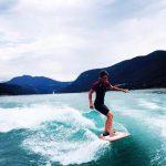 wakesurf-femme-base-nautique-treffort-wakeiteasy-01